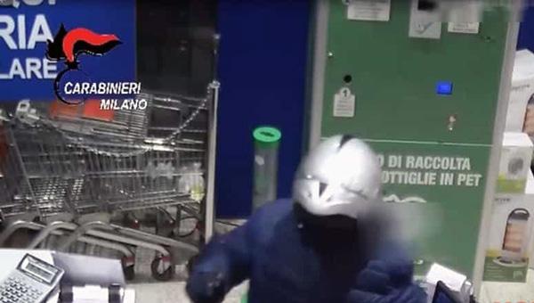 Cologno rapina supermercato via roma