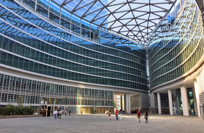 Palazzo-della-Regione_Lombardia_Milano